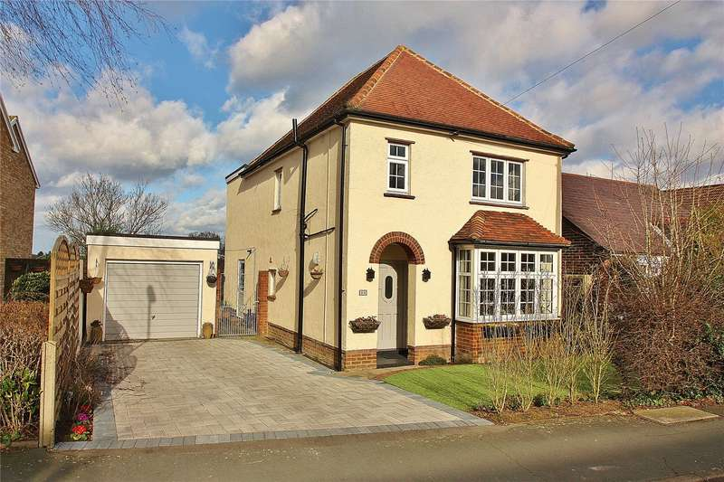 4 Bedrooms Detached House for sale in Victoria Road, Knaphill, Woking, Surrey, GU21