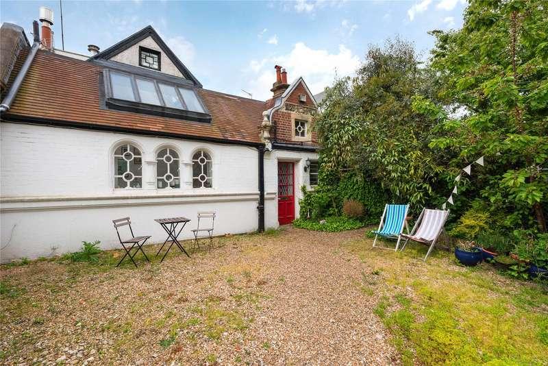 Terraced House for sale in & Garages (Petworth Street), Albert Bridge Road, Battersea, London, SW11