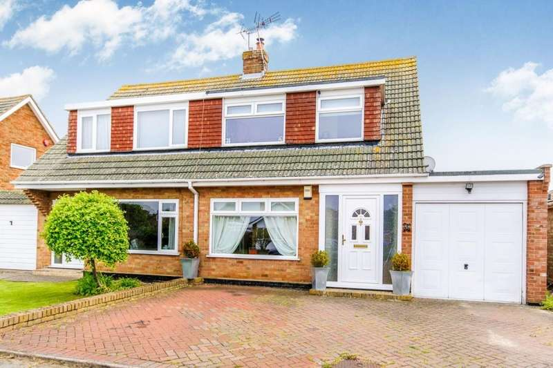 3 Bedrooms Semi Detached House for sale in Grenville Way, Broadstairs, CT10