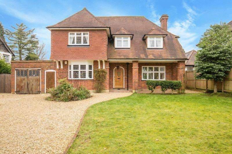 4 Bedrooms Detached House for rent in Whyteleafe Road, Caterham
