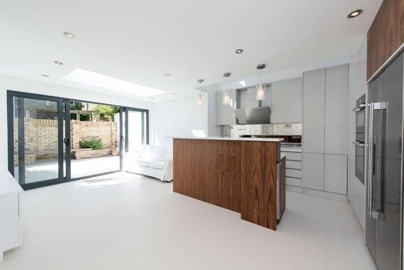 4 Bedrooms Ground Flat for sale in Kelmscott Road, London