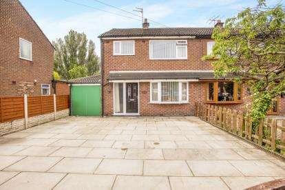 3 Bedrooms Semi Detached House for sale in Marina Grove, Lostock Hall, Preston, Lancashire