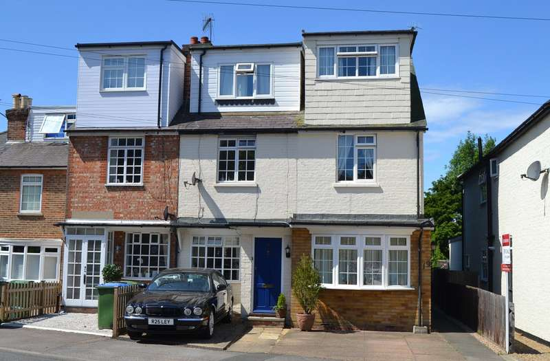 4 Bedrooms End Of Terrace House for sale in Cobham