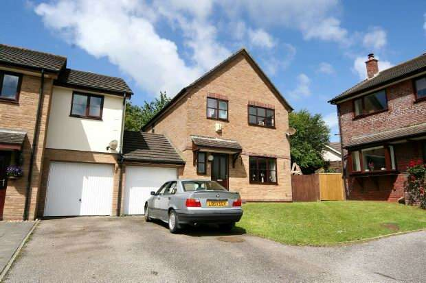 3 Bedrooms Link Detached House for sale in Evea Close, Truro