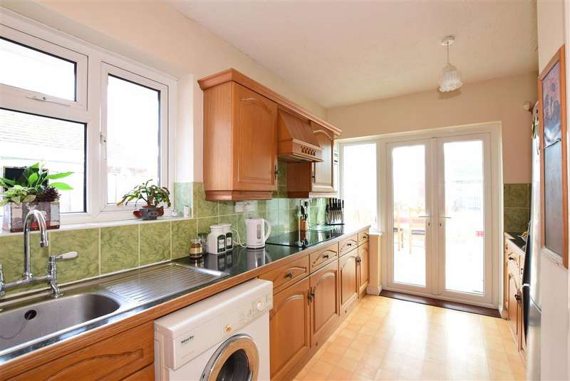 3 Bedrooms Detached Bungalow for sale in Compton Avenue, Goring-By-Sea, Worthing, West Sussex
