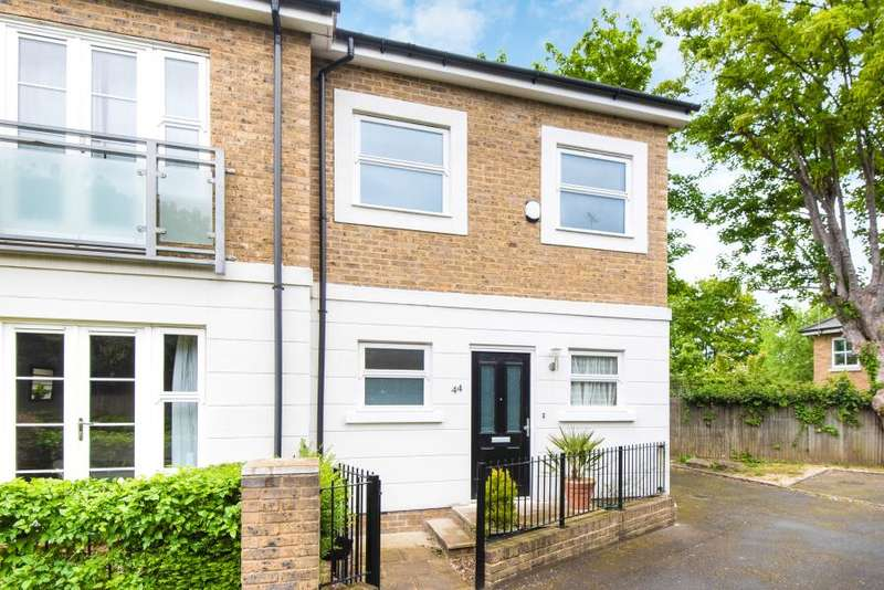 1 Bedroom End Of Terrace House for sale in Candler Mews, Twickenham, St Margarets, TW1