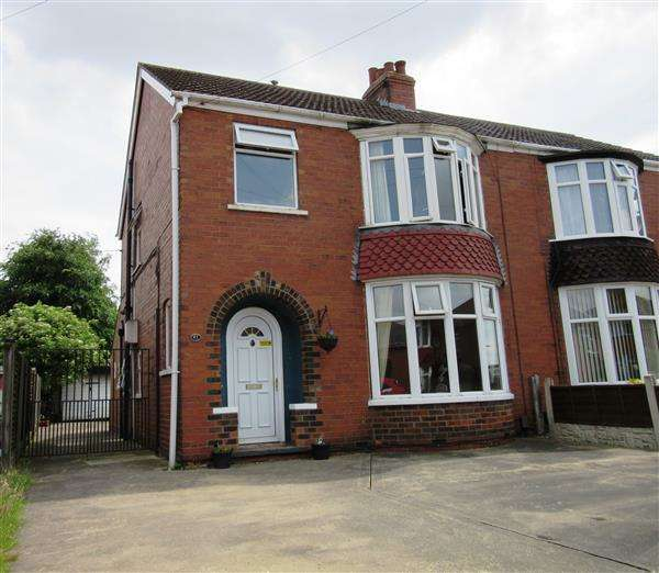 3 Bedrooms Semi Detached House for sale in Glover Road, Scunthorpe