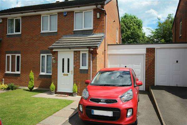 3 Bedrooms Semi Detached House for sale in Greasley Road, Bucknall, Stoke-on-Trent