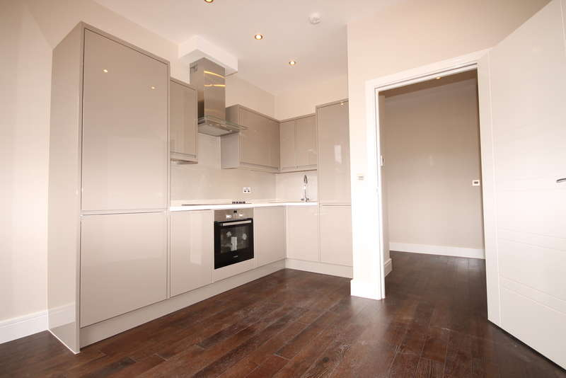 1 Bedroom Apartment Flat for sale in Flat 9 Swan House, The Embankment, Bedford, MK40