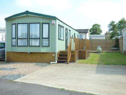 2 Bedrooms Mobile Home for sale in Riverview Park, Cogenhoe, Northamptonshire, Northants