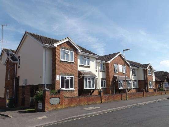 1 Bedroom Retirement Property for sale in Clarence Road, Fleet, Hants