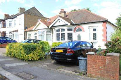 2 Bedrooms House for sale in ClayburyPark