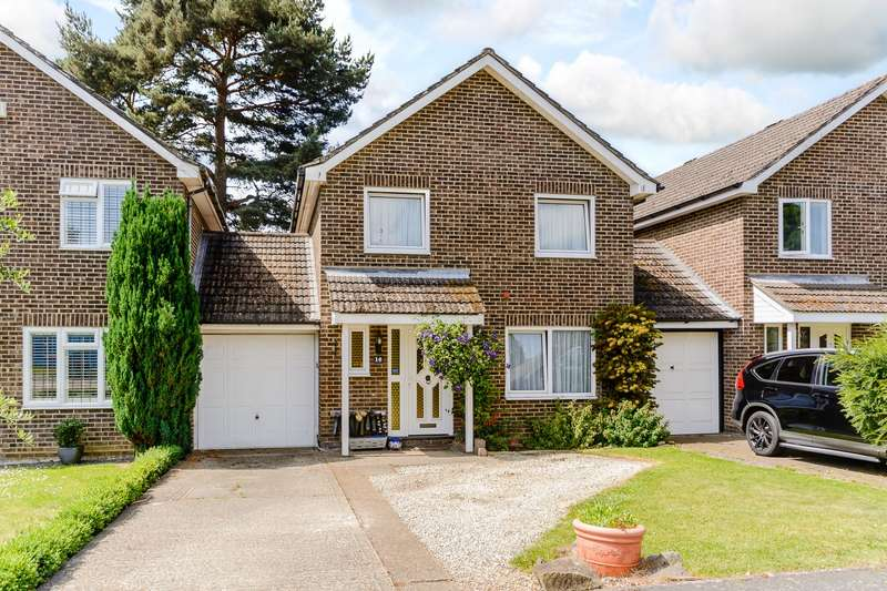 4 Bedrooms Detached House for sale in Bisley