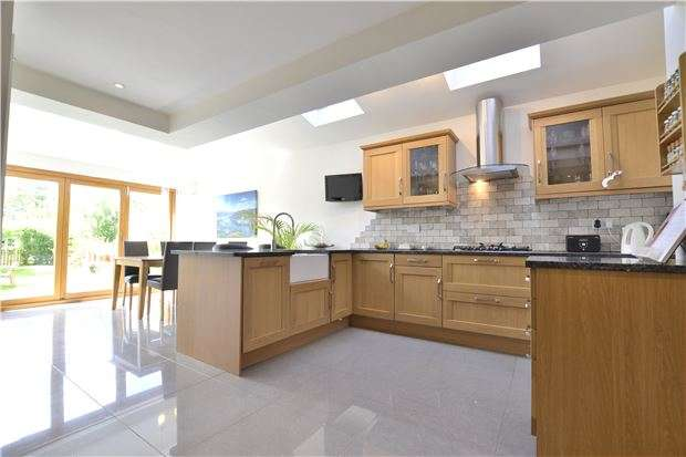 3 Bedrooms Semi Detached House for sale in Larkhay Road, Hucclecote, GLOUCESTER, GL3 3NR