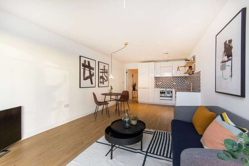 2 Bedrooms Flat for sale in Cargreen Road, South Norwood, SE25