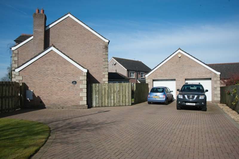 5 Bedrooms Detached House for sale in Rosses Avenue, Ballymena, County Antrim, BT42