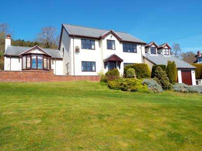 4 Bedrooms Detached House for sale in Trelawnyd, Flintshire, North Wales, LL18