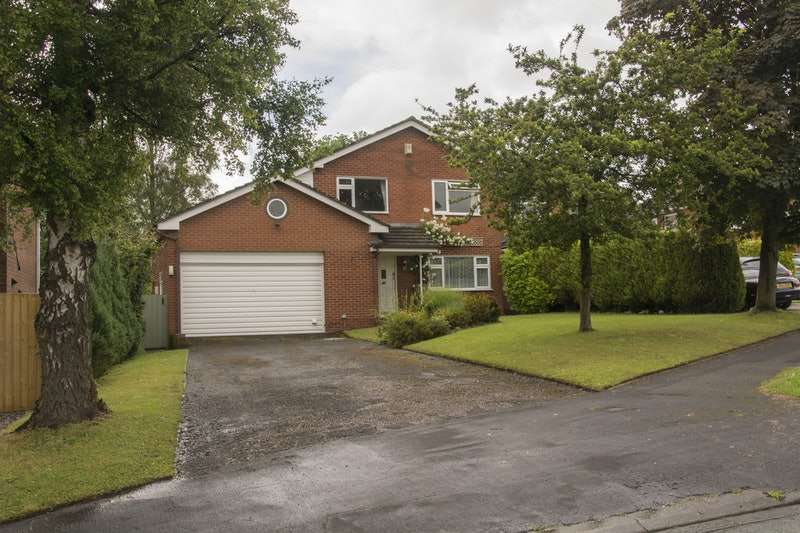 5 Bedrooms Detached House for sale in Chapel Close, Audlem, Cheshire, CW3