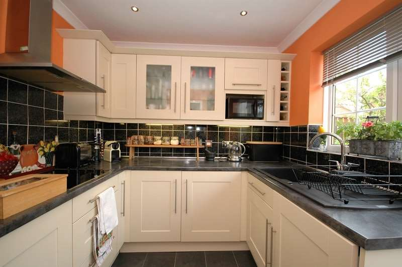 3 Bedrooms Semi Detached House for sale in Stanhope Close, Durham, County Durham, DH7