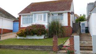 3 Bedrooms Bungalow for sale in Cissbury Crescent, Saltdean, Brighton, East Sussex