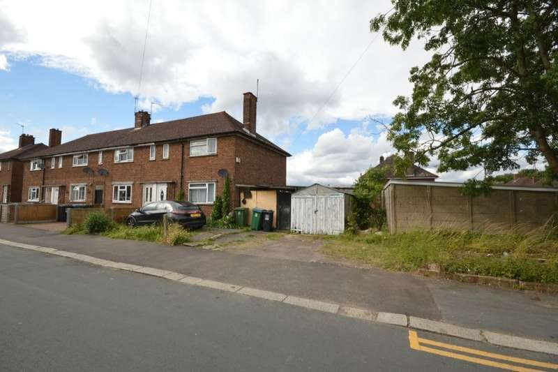 3 Bedrooms Property for sale in Clarke Way, Watford, WD25