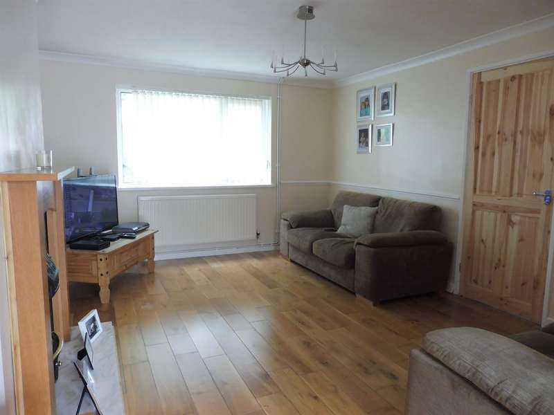 3 Bedrooms Semi Detached House for sale in Woodland Road, Crynant, Neath