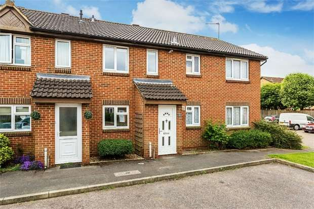 2 Bedrooms Terraced House for sale in Telford Drive, WALTON-ON-THAMES, Surrey