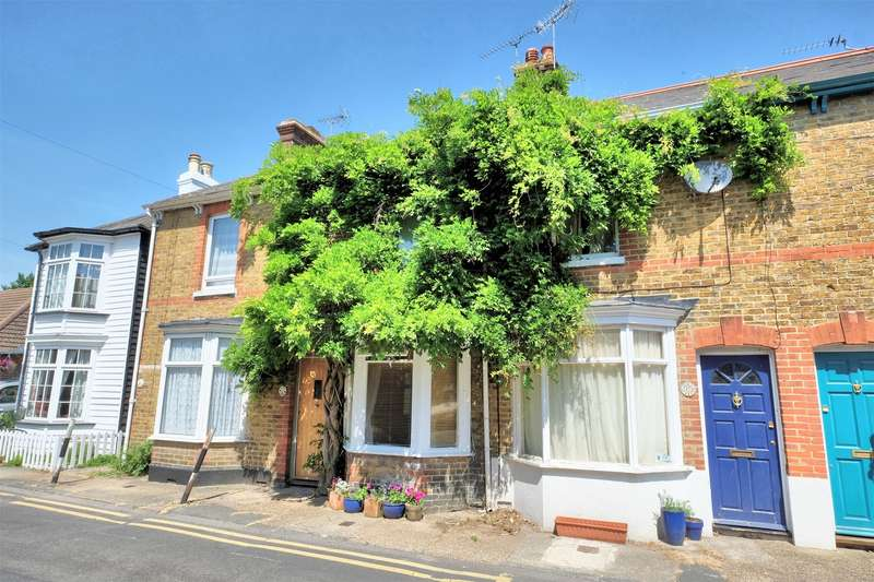 2 Bedrooms Terraced House for sale in Suffolk Street, WHITSTABLE, Kent