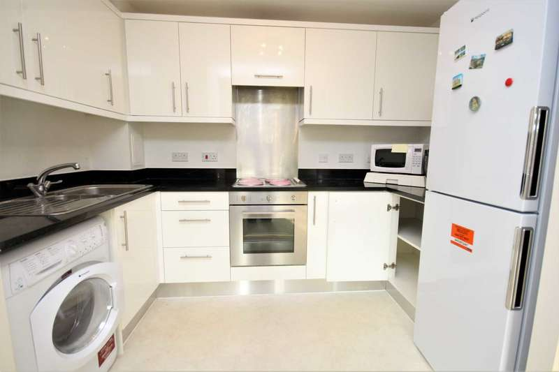2 Bedrooms Apartment Flat for sale in Ongar Road, Brentwood