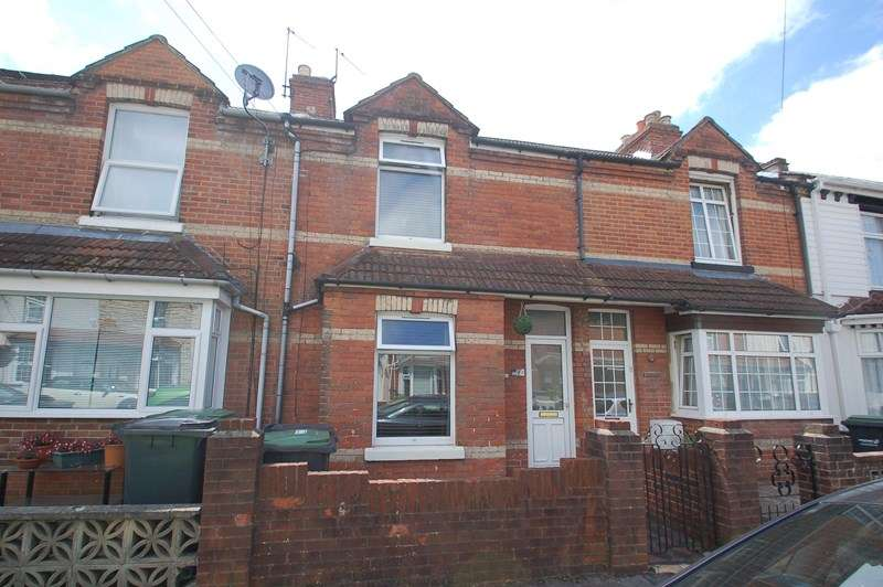 4 Bedrooms Terraced House for sale in Richmond Road, Gosport