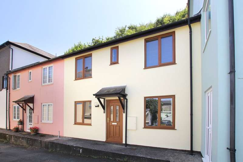 2 Bedrooms Terraced House for sale in Turnchapel, Plymouth