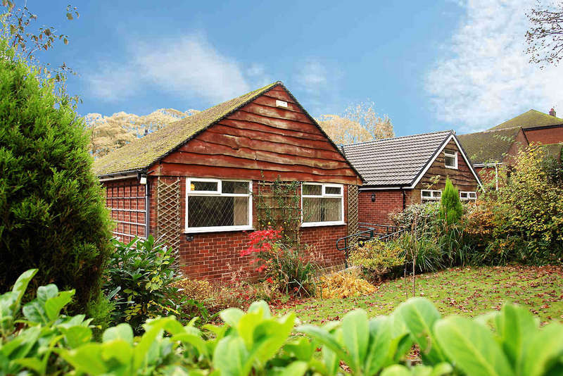 3 Bedrooms Semi Detached Bungalow for sale in Church Road, Uppermill, Saddleworth