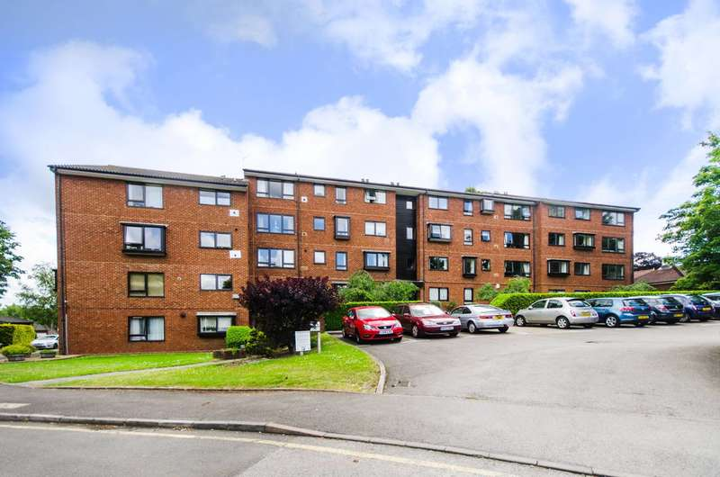 2 Bedrooms Flat for sale in Whitehaven Close, Bromley South, BR2