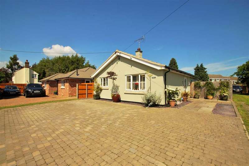 3 Bedrooms Bungalow for sale in Pilgrims, Stanway Green, Stanway, Colchester