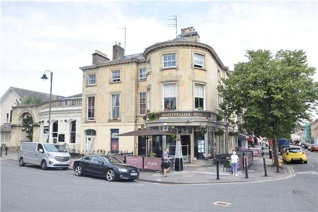 3 Bedrooms Flat for sale in Montpellier Street, CHELTENHAM, Gloucestershire, GL50 1SY