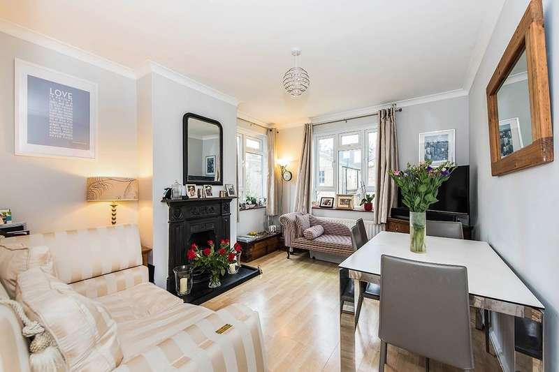 3 Bedrooms Flat for sale in Kenley Road, Twickenham, TW1
