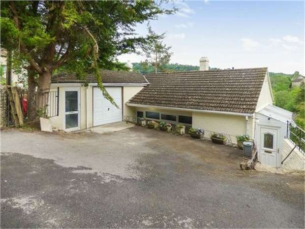 4 Bedrooms Detached House for sale in Horsley Road, Nailsworth, Stroud, Gloucestershire