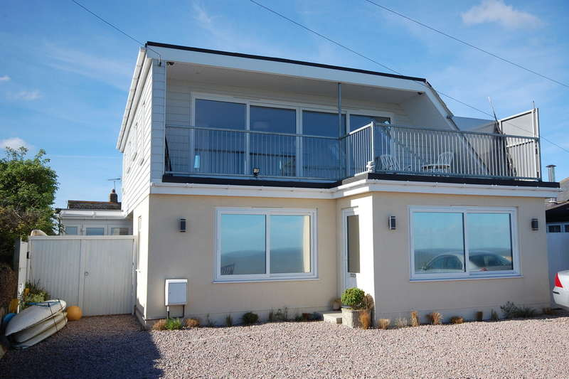4 Bedrooms Detached House for sale in Daytona Way, Studd Hill, Herne Bay