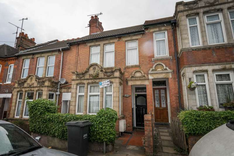 4 Bedrooms Terraced House for sale in High Town Road, Luton
