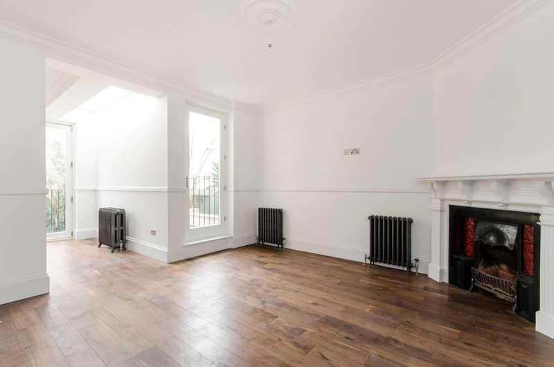3 Bedrooms Flat for sale in Home Park Road, Wimbledon Park, SW19