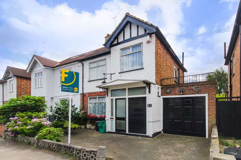 3 Bedrooms Semi Detached House for sale in Siward Road, Bromley, BR2