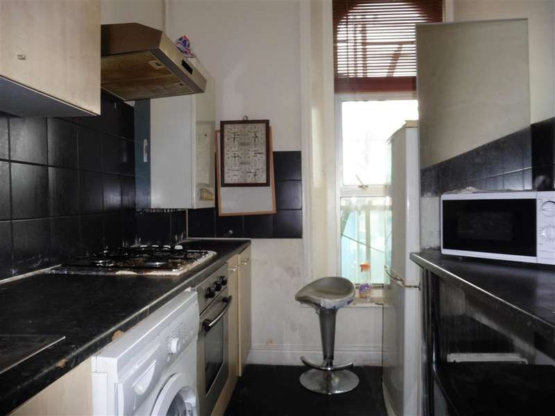 2 Bedrooms Flat for sale in Telegraph Mews, Ilford, Essex