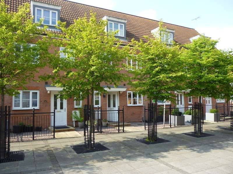 3 Bedrooms Town House for sale in Riverside Drive, Anchor Quay, Lincoln