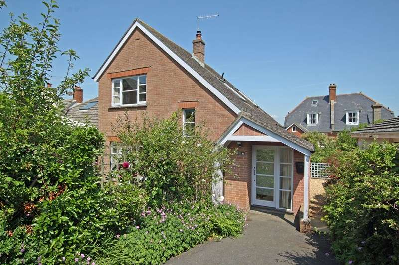 2 Bedrooms Detached House for sale in Queens Road, Swanage