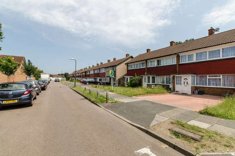 3 Bedrooms Terraced House for sale in Priestley Road, Mitcham, CR4
