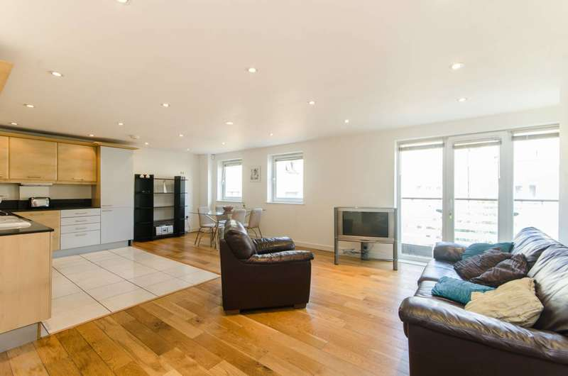 2 Bedrooms Flat for sale in Spectrum Place, Elephant and Castle, SE17