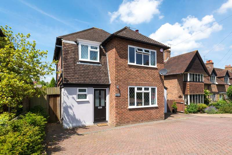 3 Bedrooms House for sale in Chart Lane, RH2