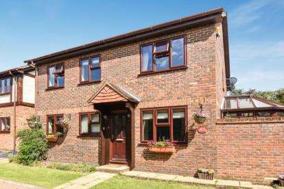 5 Bedrooms House for sale in Coppergate Close, Bromley