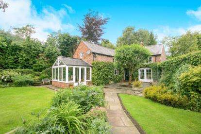 3 Bedrooms House for sale in Mottram St Andrew, Prestbury, Cheshire