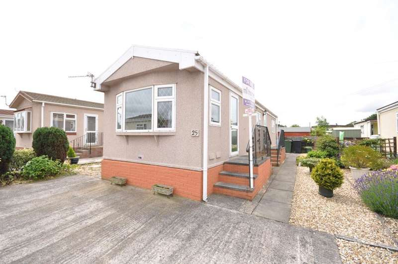 2 Bedrooms Park Home Mobile Home for sale in Lynwood Park, Warton, Preston, Lancashire, PR4 1XJ